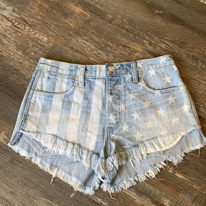 😊2/25 Abercrombie &Fitch high rise shorts